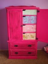 Distressed Dresser DIY
